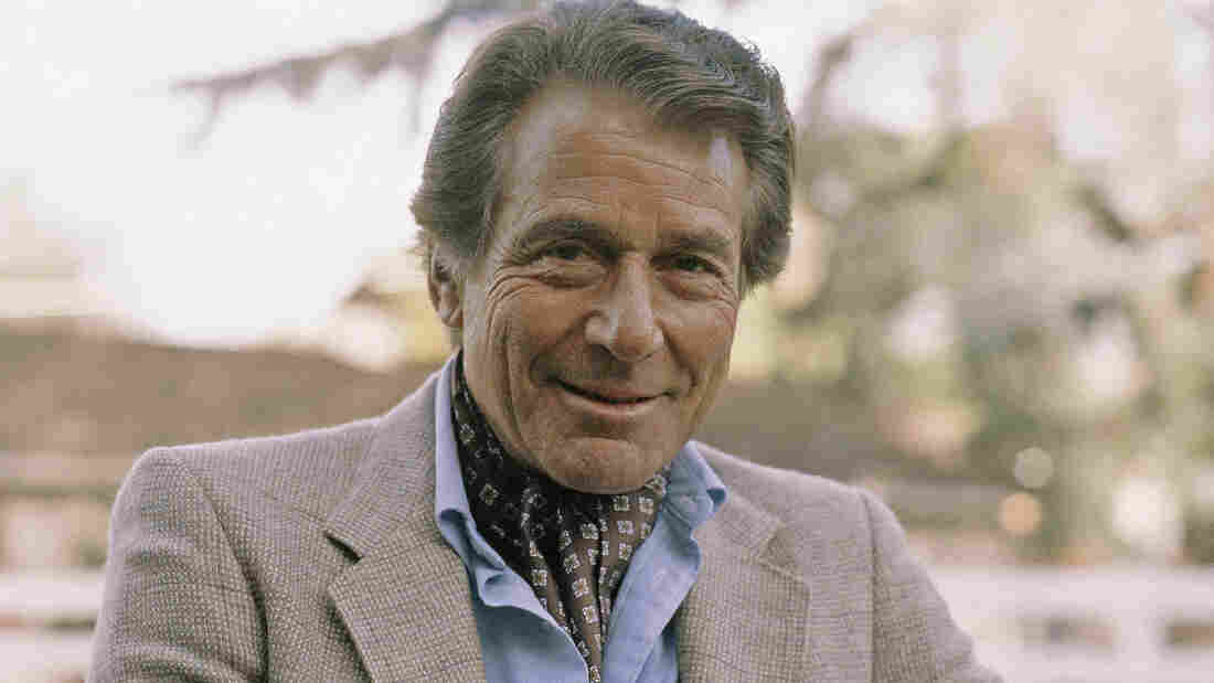 Actor Efrem Zimbalist Jr., seen here at his California home in 1982, died Friday, his family announced.