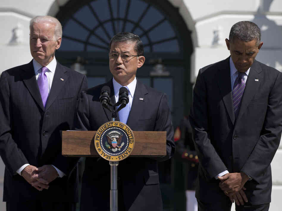 Veterans Affairs Secretary Eric Shinseki, flanked by President Obama and Vice President Biden, at the White House last month.