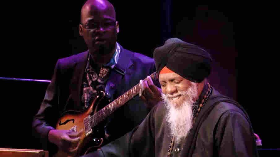 Dr. Lonnie Smith at the Blue Note 75 concert.