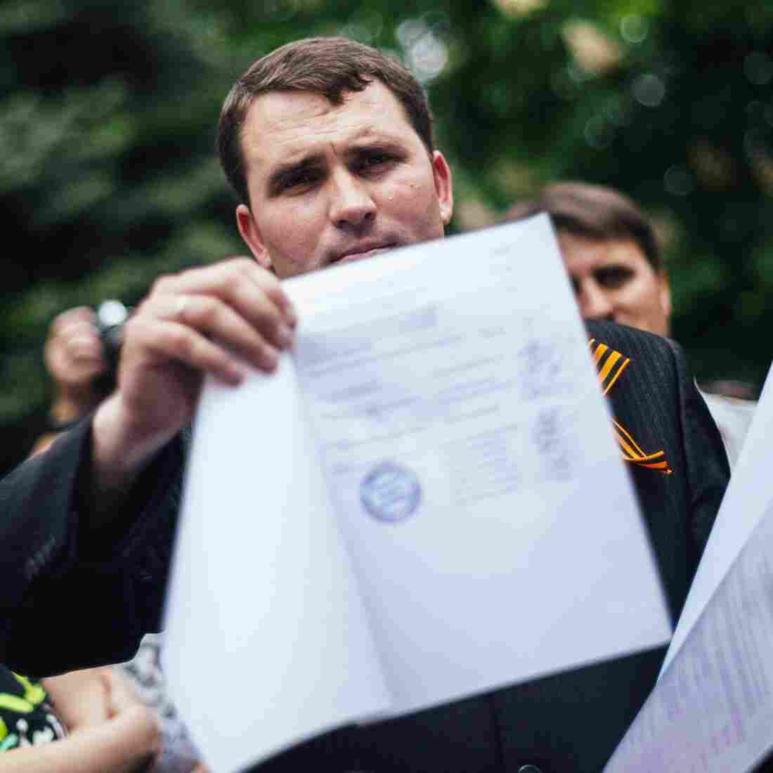 Separatists Vote To Split From Ukraine; Russia 'Respects' Decision