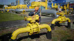 Russia, China Secure Nearly Half-Trillion-Dollar Gas Deal