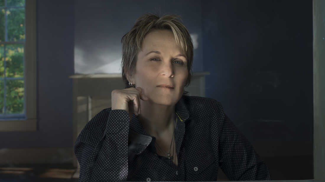 First Listen: Mary Gauthier, 'Trouble & Love'