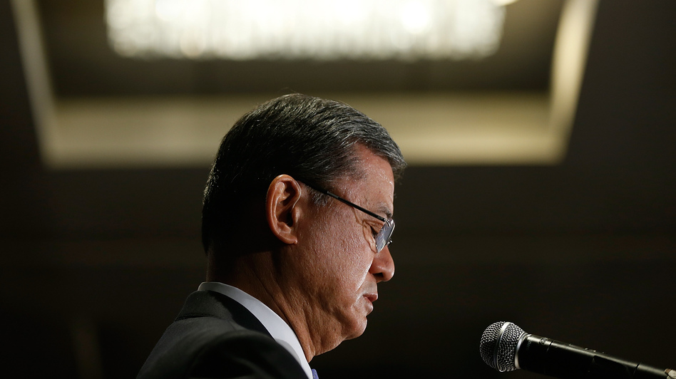 Secretary of Veterans Affairs Eric Shinseki addresses the National Coalition for Homeless Veterans in Washington, D.C., Friday, shortly before he resigned under bipartisan pressure. (Win McNamee/Getty Images)