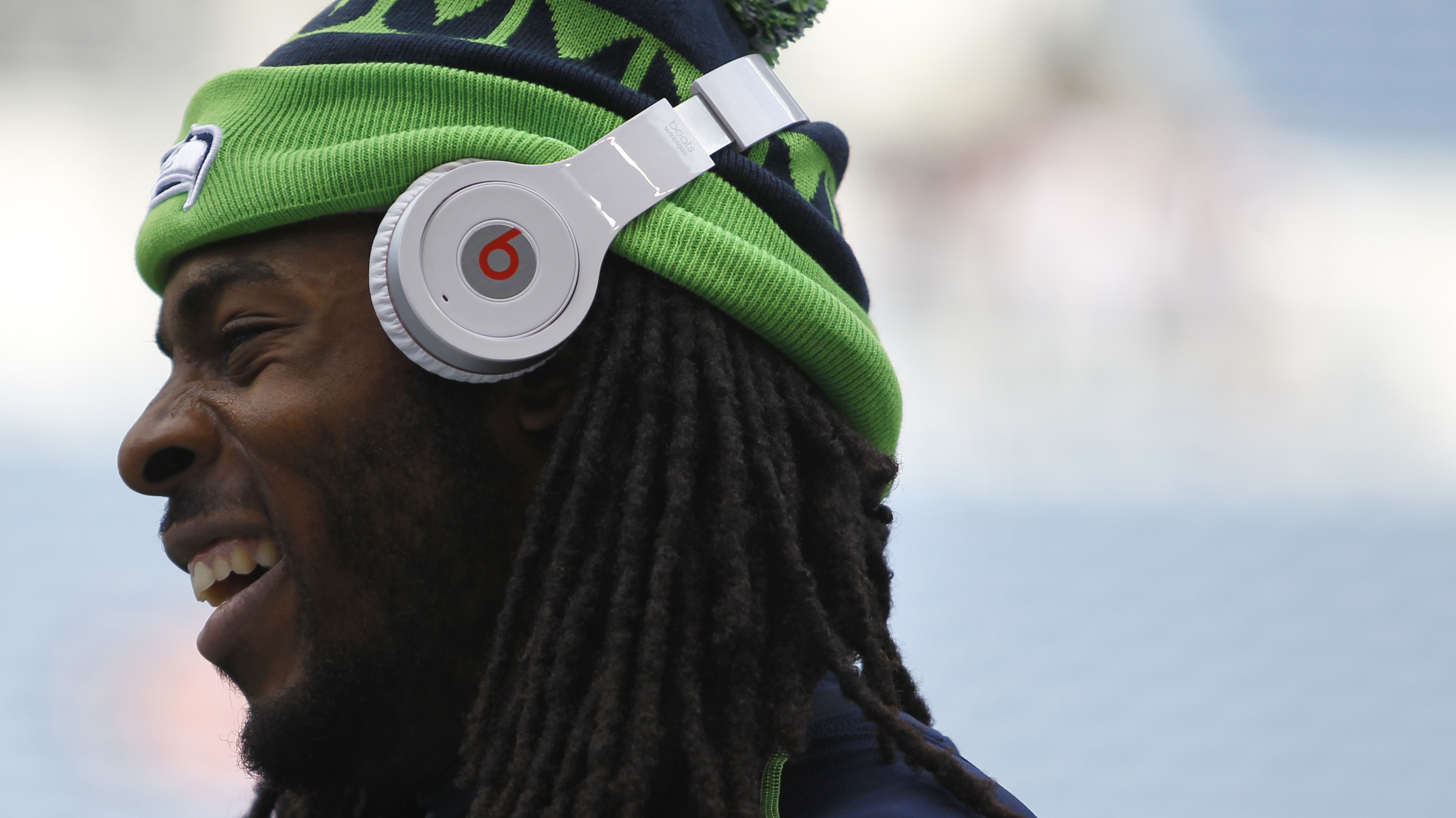 With Beats, Apple Buys A Quick Start On Smart Headphones