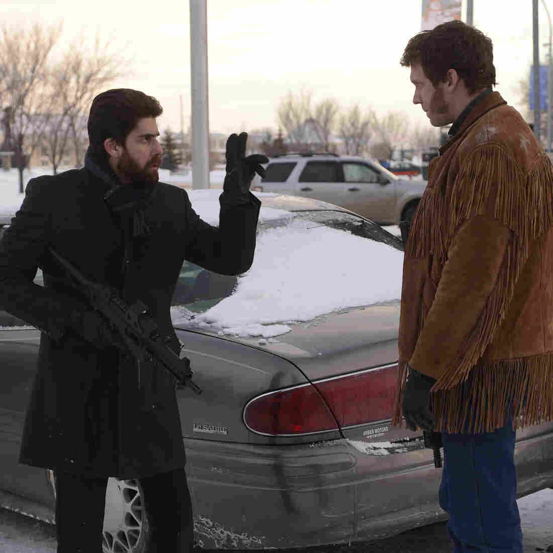Mr. Numbers (Adam Goldberg) signs to Mr. Wrench, played by Russell Harvard, in the sixth episode of the TV show Fargo.