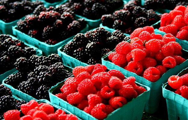 Summer berries at the market.