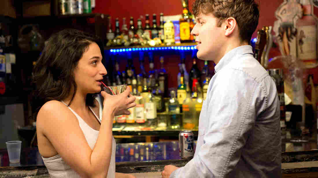 In The Obvious Child, 20-something comic Donna (Jenny Slate) finds herself pregnant after a one-night stand with Max (Jake Lacy), a young professional who's not remotely her type.