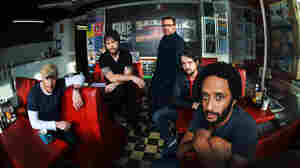 Elbow On World Cafe