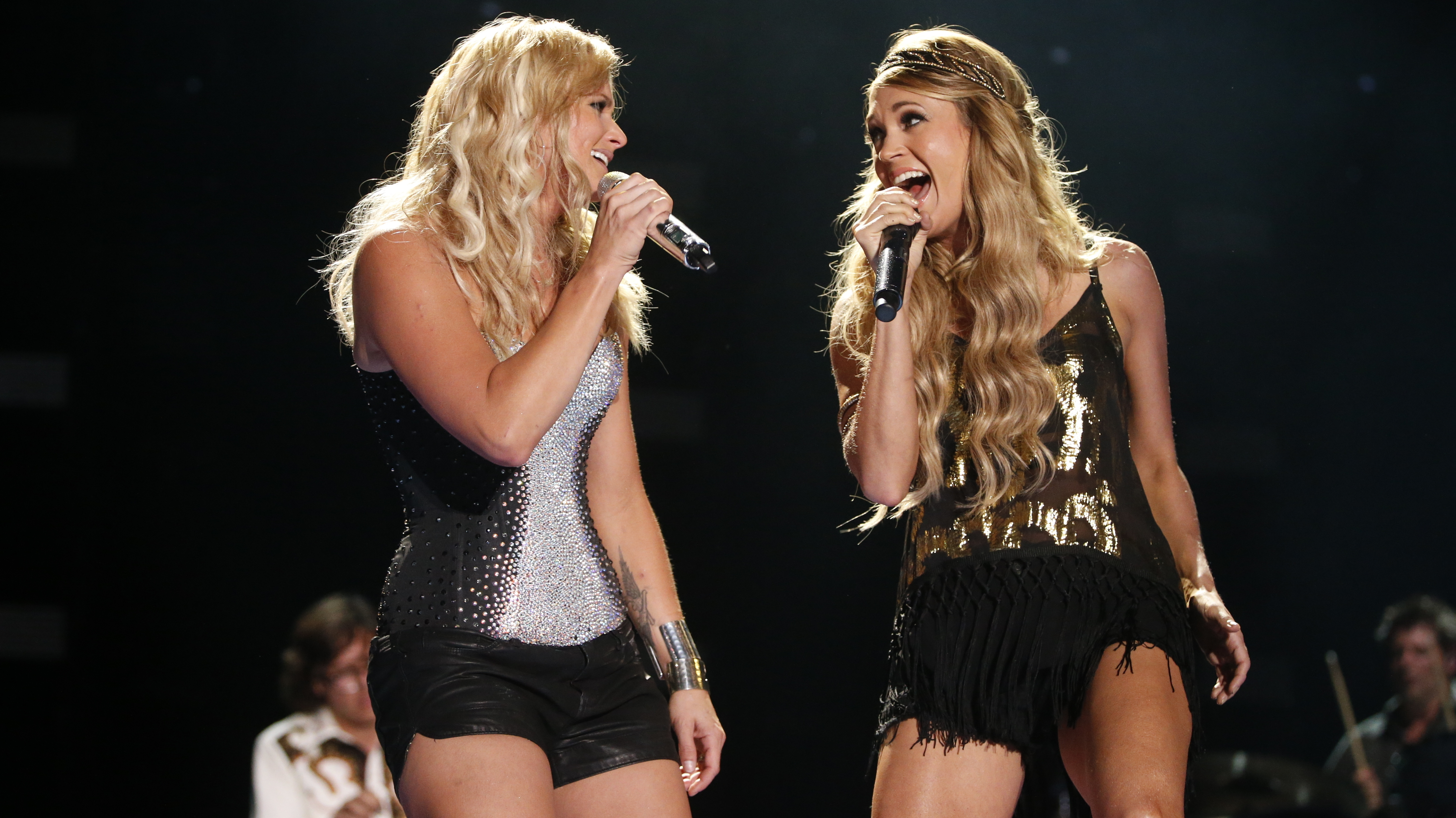 A Gentle Buzz At The CMA Music Festival