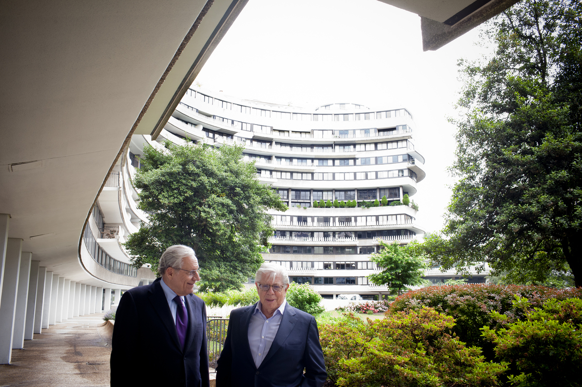 watergate in journalism Watergate may be the most famous story in american investigative journalism history it led to impeachment hearings, president nixon's resignation from office, and a spate of new political ethics laws.