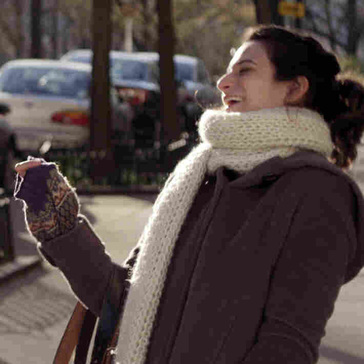 'Obvious Child': A Momentous Film Of Small, Embarrassing Truths