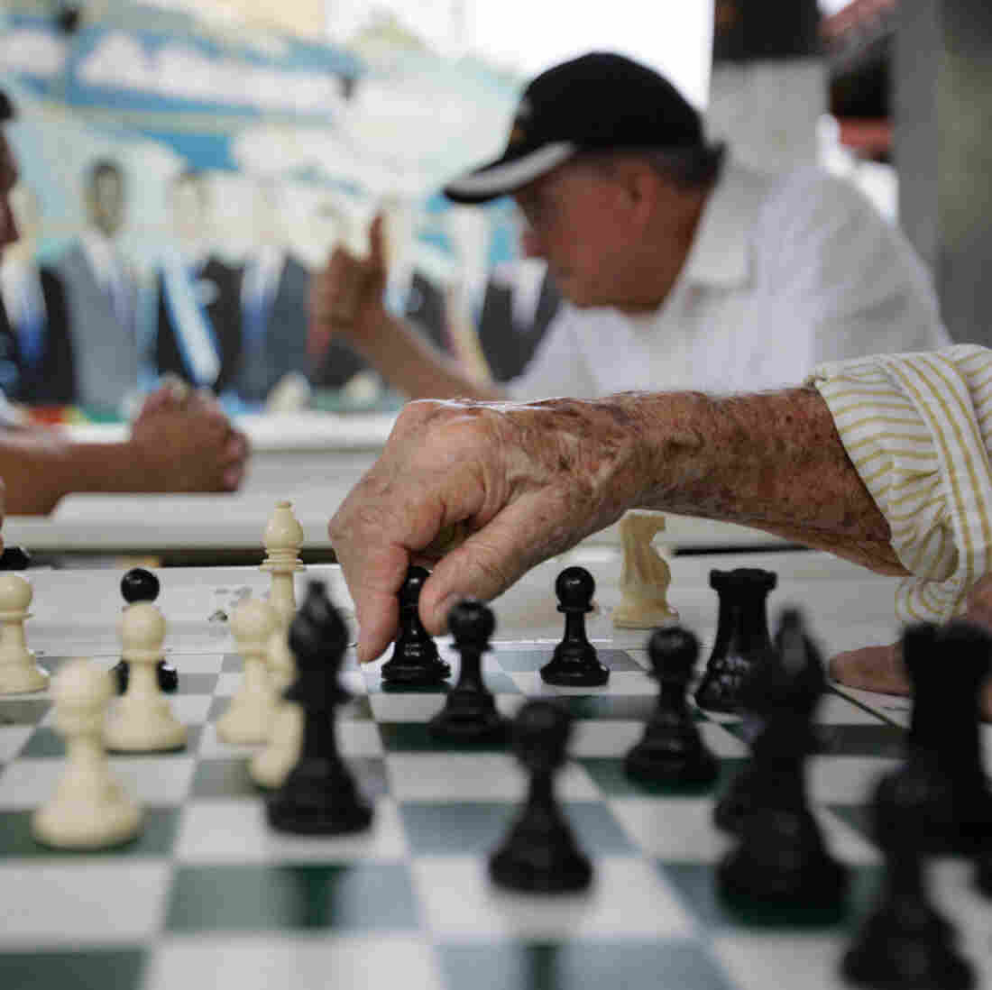 Most Cuban-Americans Oppose Embargo, Poll Finds