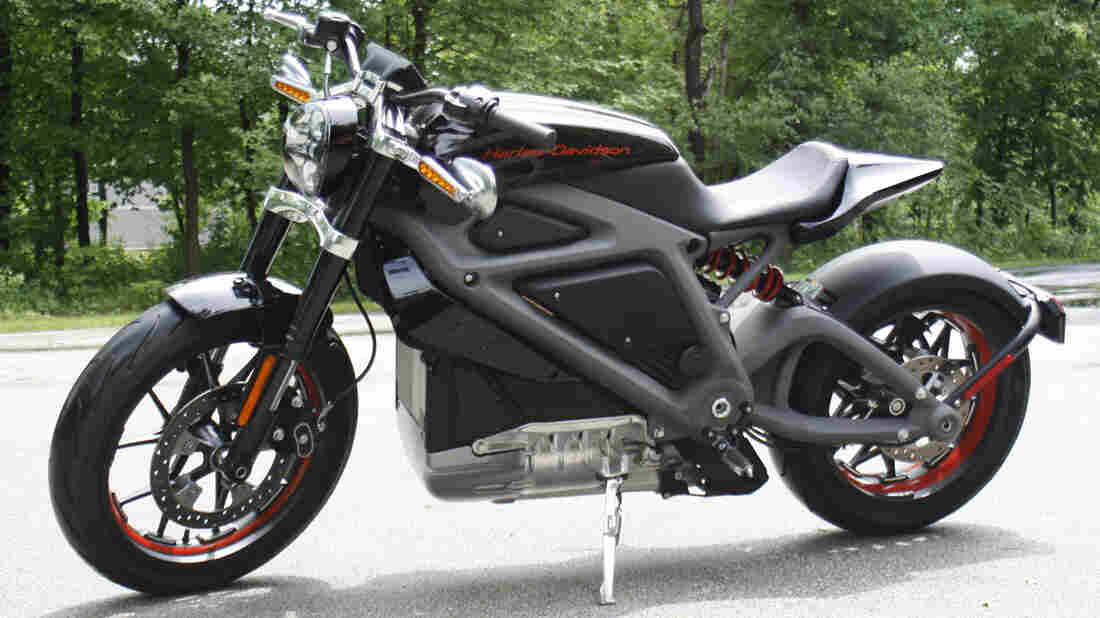 Harley-Davidson's new electric motorcycle can hit 60 mph from a standing start in 4 seconds. The company plans to unveil the LiveWire model Monday in New York.