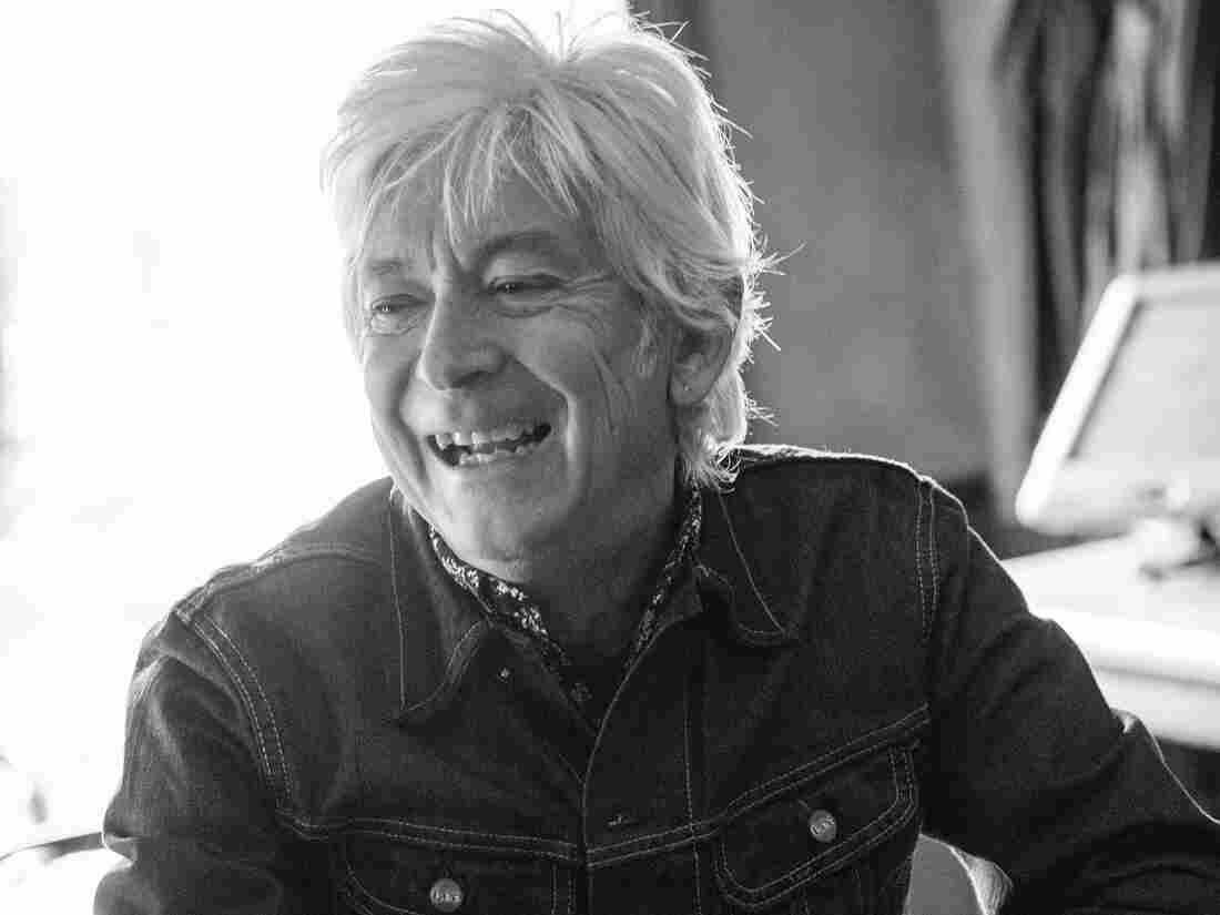 Rock and Roll Hall of Fame inductee Ian McLagan released his first studio album in five years, United States, on Tuesday.