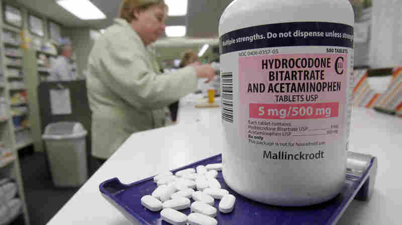 Americans Weigh Addiction Risk When Taking Painkillers