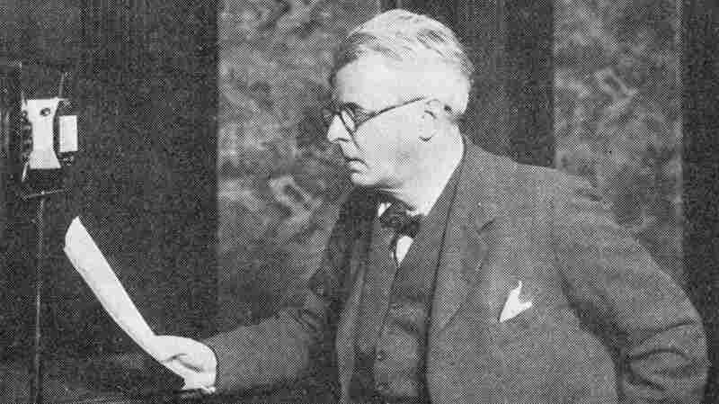 """Irish poet William Butler Yeats makes a recording for the radio. Scroll down to hear him read his poem """"The Lake Isle of Innisfree."""""""