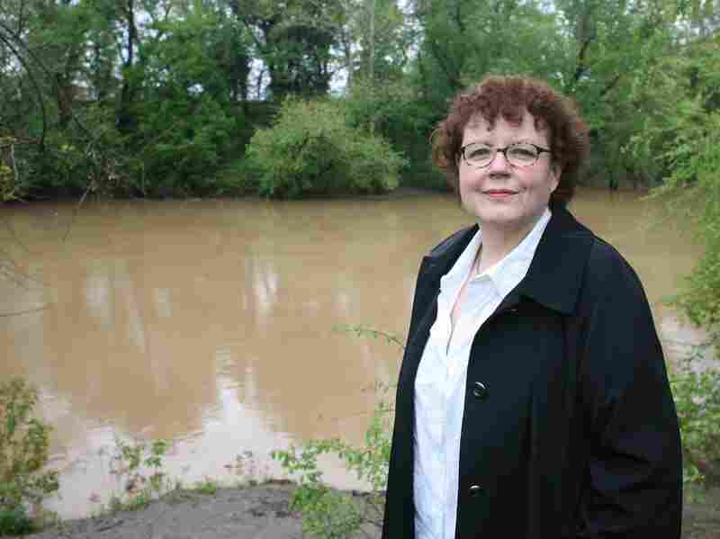 Julia Keller says riverbanks are the perfect crime scenes. Her third volume in her Bell Elkins series, Summer of the Dead, will be released in August.