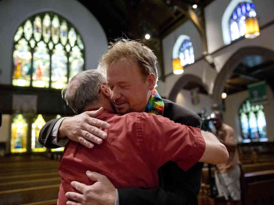 how to become a united church minister