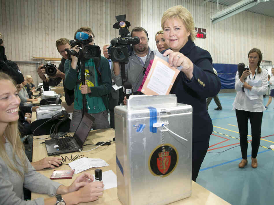 During the 2013 elections, online voting was an option in Norway. Even so, Erna Solberg, chairman of the Conservative Party of Norw