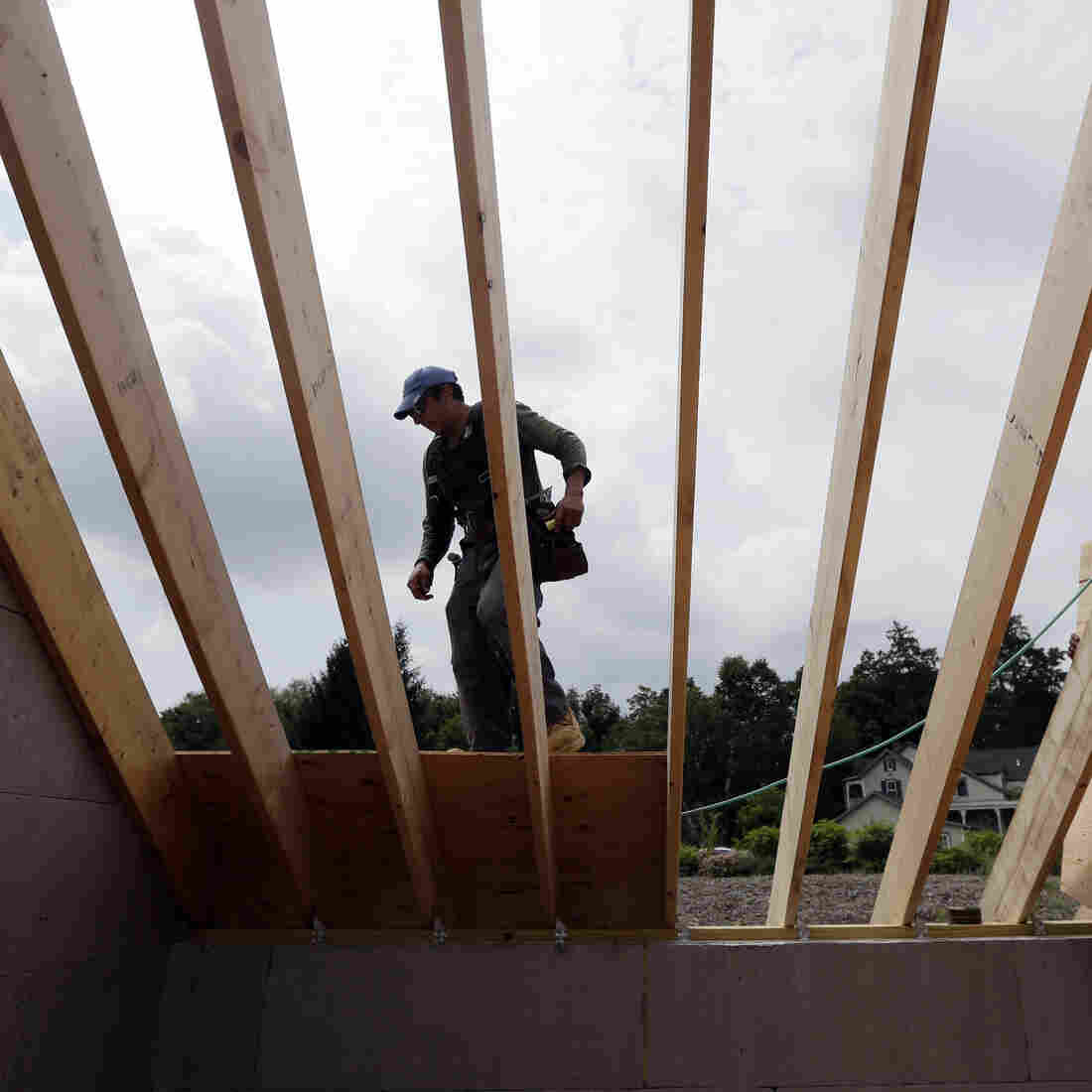 Housing Market Fake-Outs Stump Economists