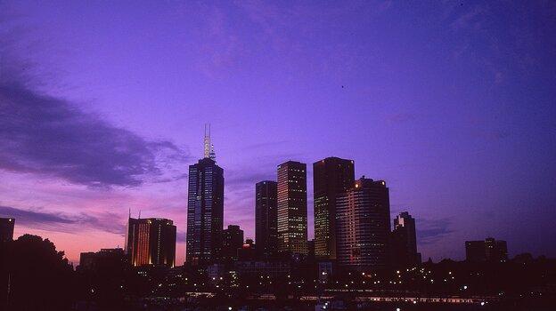 Jack Irish makes a living, of sorts, in Melbourne, Australia.