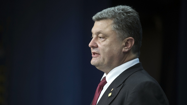 Ukrainian President Petro Poroshenko speaks during a media conference after a signing ceremony at an EU summit in Brussels on June 27, 2014. (AP)