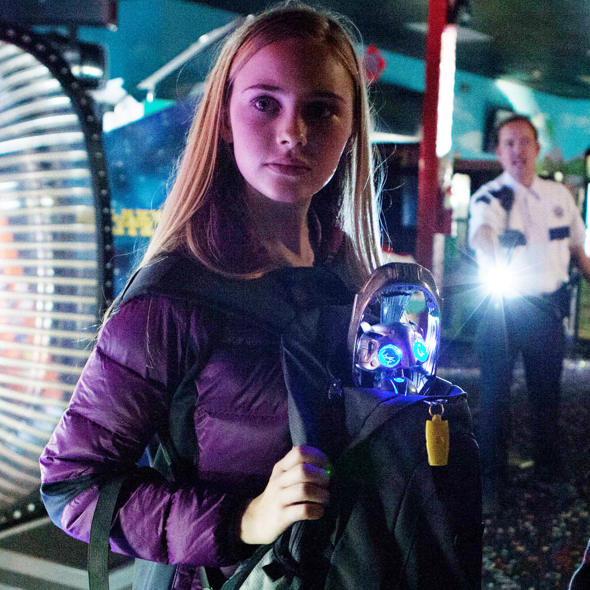 """M084 (Left) ELLA LINNEA WAHLSTEDT (Right) TEO HELM and Echo a small alien who has become stranded on Earth star in Relativity Media's """"EARTH TO ECHO """". (C) 2013 RML Echo Films, LLC Photo Credit: Patrick Wymore"""