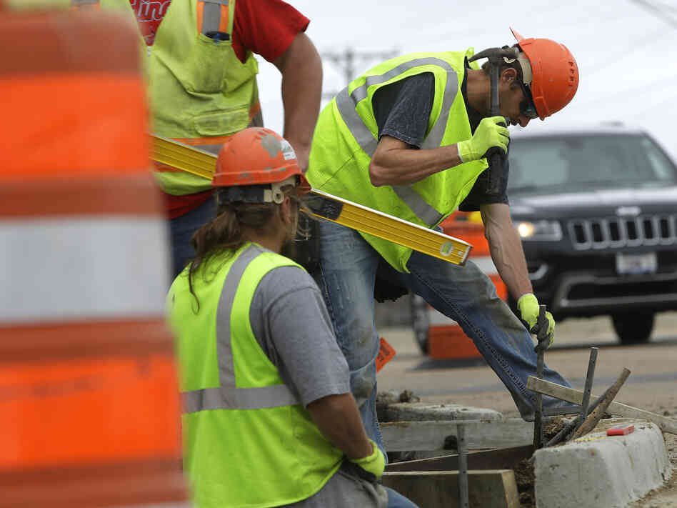 The White House has warned that without more money for the federal Highway Trust Fund, which helps states pay for road and infrastructure projects, construction delays will put thousands out of work.
