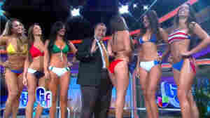 """The finalists for Miss Mundial Brasil 2014 visit the set of Univision's entertainment talk show El Gordo y la Flaca. The show often invites guests to take a dip in an on-set hot tub. This particular segment is titled """"8 reasons to fire up the Jacuzzi."""""""