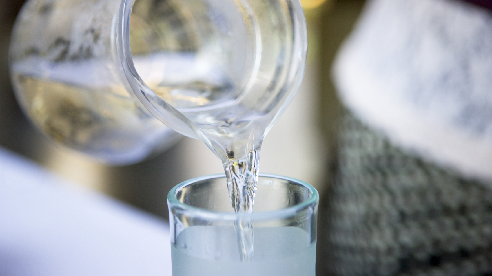 How correctly to pour cold water