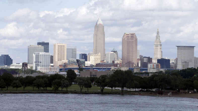 Cleveland won the unanimous backing of a Republican National Committee panel on Tuesday, all but guaranteeing the GOP's 2016 presidential pick will accept the party's nomination in perennially hard-fought Ohio.