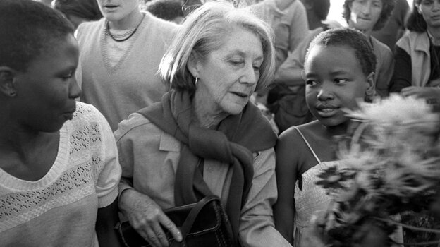 Nadine Gordimer visited Alexandra, the black township near Johannesburg, in 1986 to pay homage to victims of po