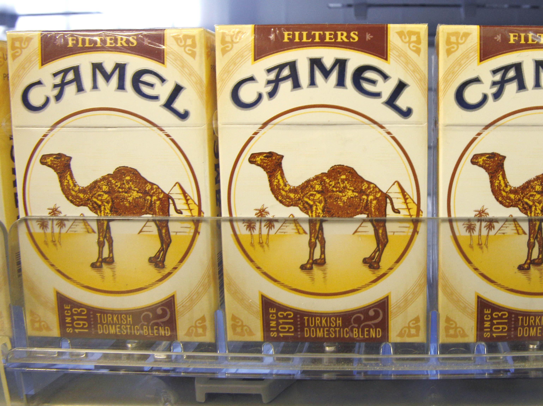 Buying cigarettes Camel Cuba