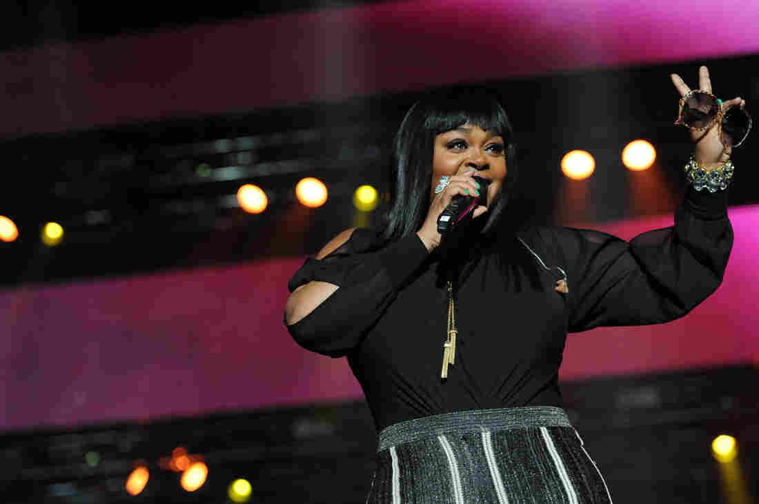 """Jill Scott, on the main stage at the 2014 Essence Festival, thanked the crowd for """"letting a sister grow."""""""