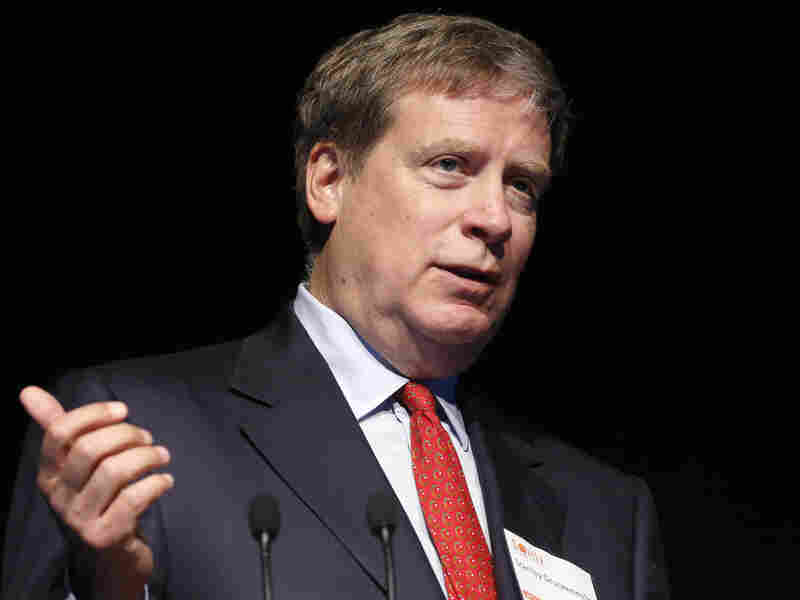 Stanley Druckenmiller, founder of Duquesne Capital Management, speaks at a New York investment conference in 2013. He says the Fed is misjudging the long-term risks to the economy.