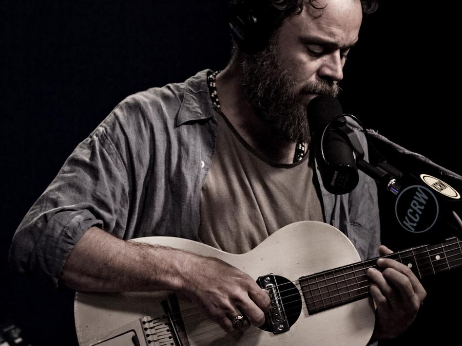 Rodrigo Amarante performs live for <em>Morning Becomes Eclectic</em>.