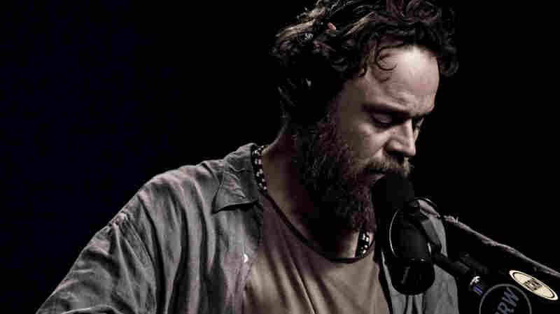 Rodrigo Amarante, 'Mana' (Live)