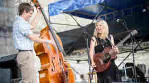 Aoife O'Donovan, Live In Concert