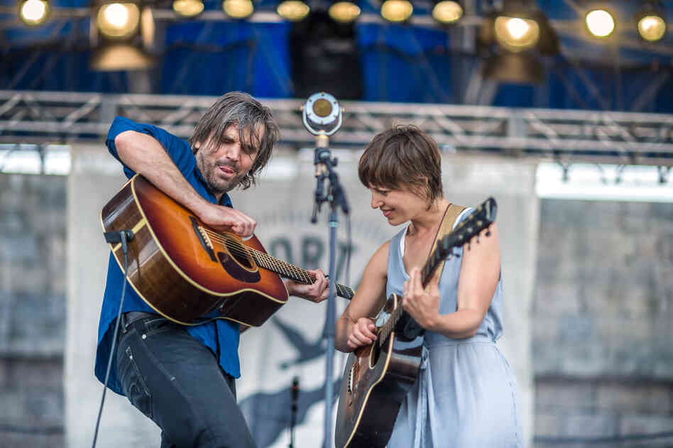 Facing a single mic, Anais Mitchell and Jefferson Hamer played songs from Child Ballads.