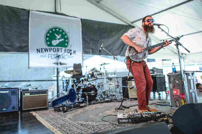 """Newport in 2014: Tall Tall Trees' Mike Savino uses his """"banjotron"""" for a song about Internet stalking."""