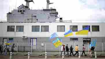 France Presses On With Deal To Sell 2 Warships To Russia