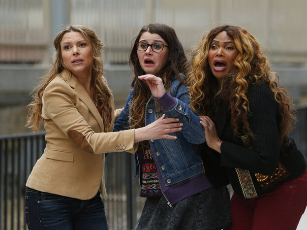 """Kari Wuhrer as Ellen Brody, Courtney Baxter as Mora Brody, and Sandra """"Pepa"""" Denton as a character even the captioners don't know the name of. I'm not sure she had one."""