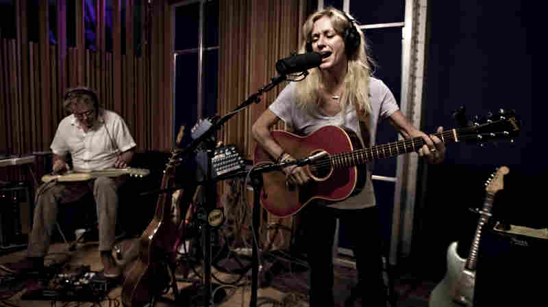 Shelby Lynne, 'She Knows' (Live)