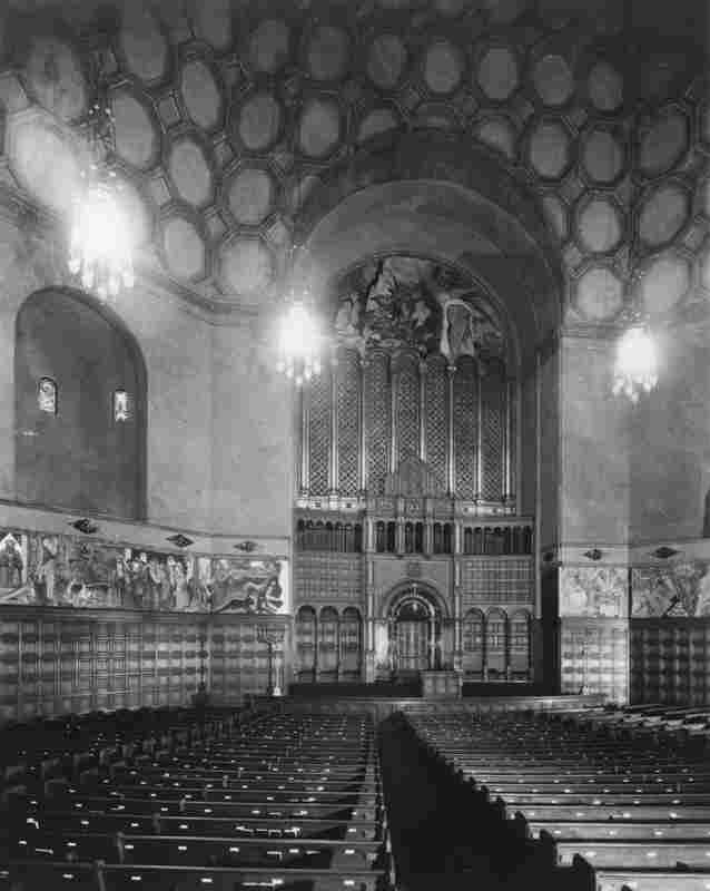 This is how the interior of the Wilshire Boulevard Temple looked just after it opened, circa 1930.