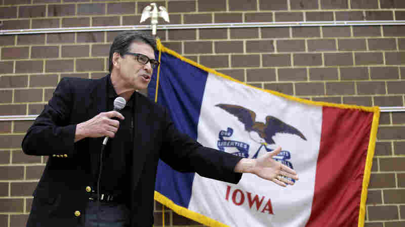 Texas Gov. Rick Perry speaks to local party activis