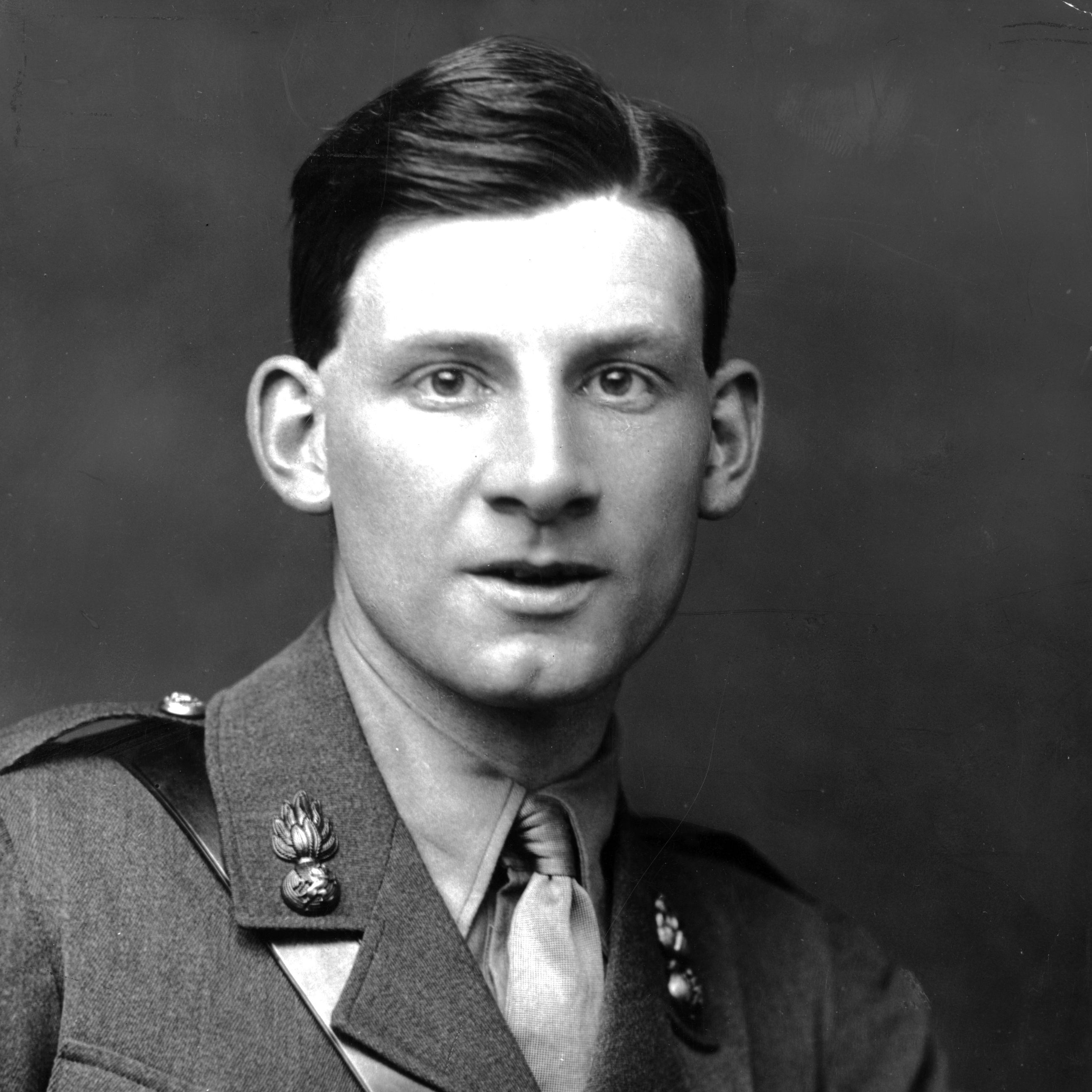 WWI Diaries Of Poet Siegfried Sassoon Go Public For First Time