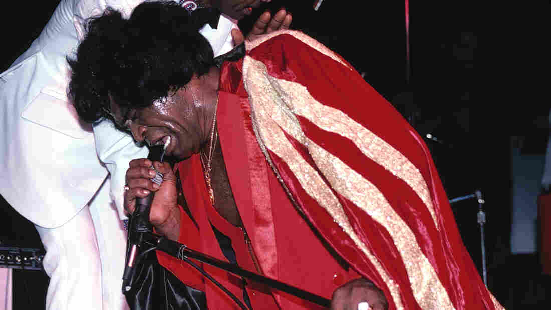 James Brown performs at the Red Parrot Disco and Club on March 16, 1983 in New York City.