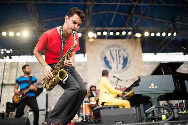 Saxophonist Eddie Barbash was often front and center.