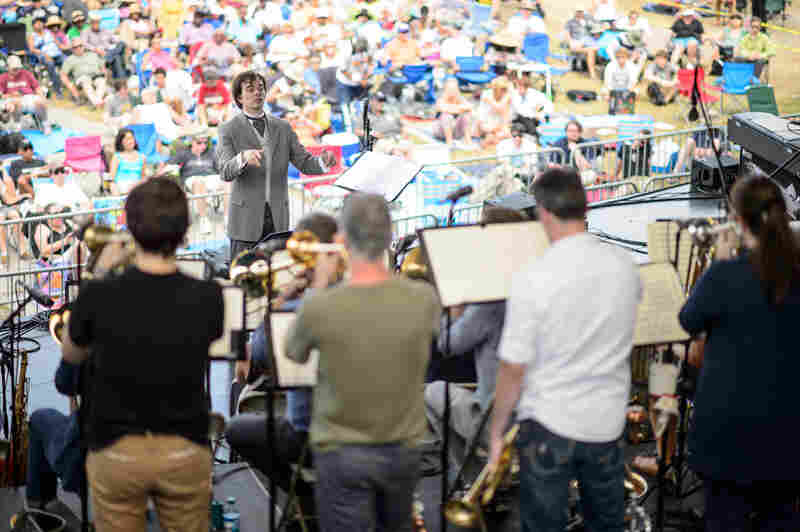 """Darcy James Argue led his Secret Society large ensemble in a program of largely unrecorded works, including a new suite called """"Tensile Curves."""""""