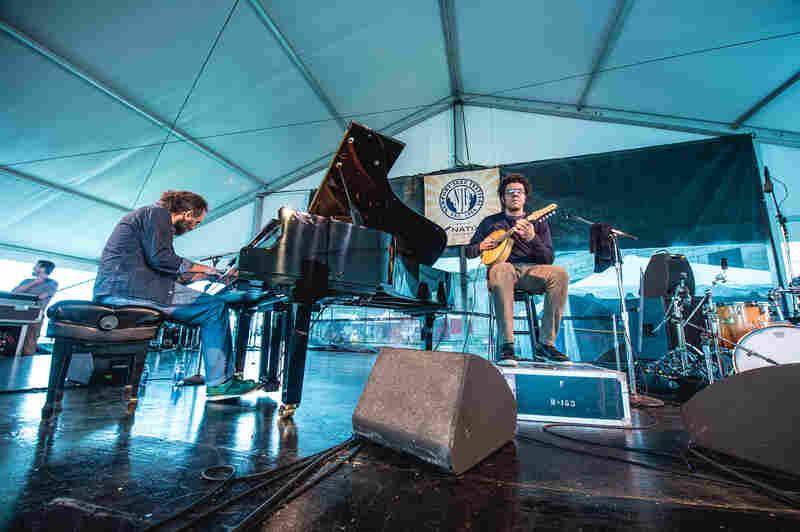 Italian pianist Stefano Bollani and Brazilian bandolim master Hamilton de Holanda played a virtuosic duet concert, full of flying fingers.